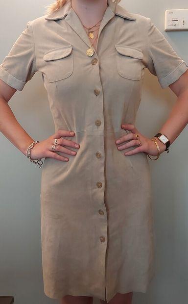BALLY  Robe chemisier en daim beige à poches...