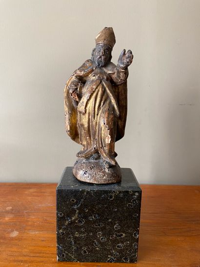 Satuette d'evêque en bois sculpté doré. Nombreux...