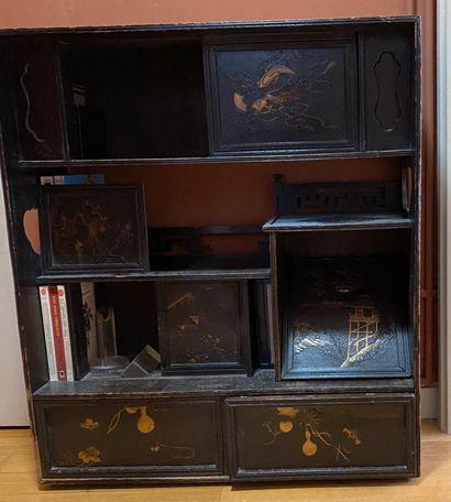 petit meuble japonais. 77 x 67 x 22 cm