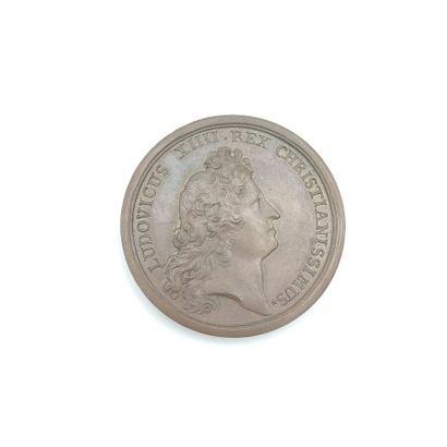 Louis XIV (1643-1715). Médaille en bronze...
