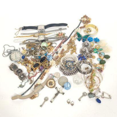 Lot de faux bijoux & bijoux fantaisie