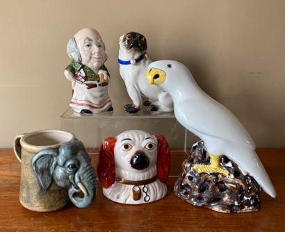 Ensemble de céramiques comprenant : tasse...