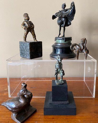 Ensemble de 5 bronzes ou régule : Deux canards,...