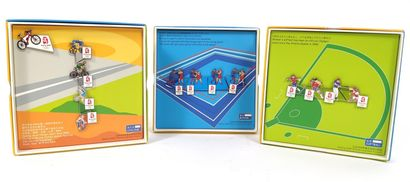Ensemble de trois boîtes comprenant les Pin's...