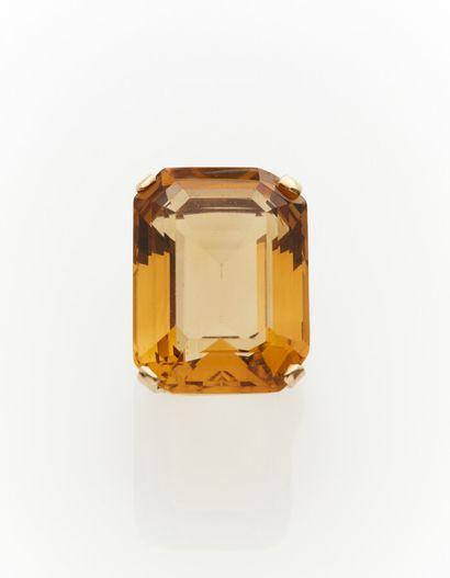 Importante BAGUE en or jaune (375) 9 carats,...
