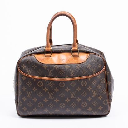 """LOUIS VUITTON  1993  Sac """"Deauville""""  """"Deauville"""" bag    Toile Monogram, cuir naturel..."""