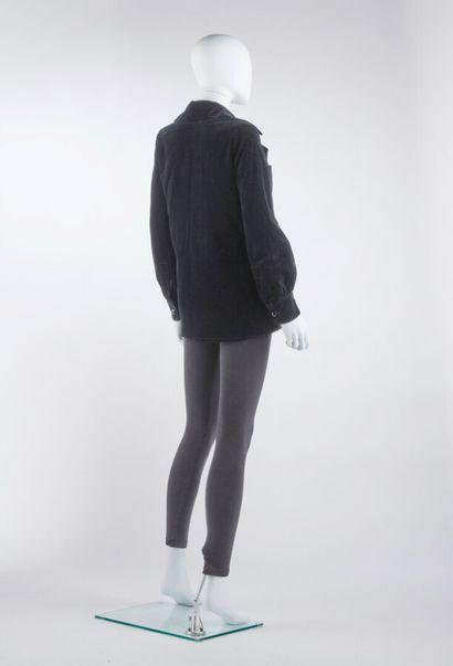 ANONYME - 1970s  VESTE croisée en velours noir (env. TS)