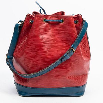 """LOUIS VUITTON  2000  Sac """"Noé""""  """"Noé"""" bag    Cuir Epi rouge et bleu  Red and blue..."""