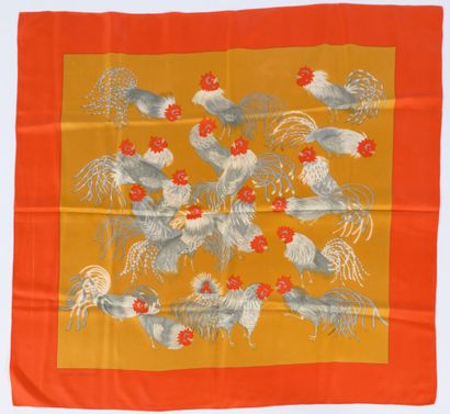 HERMÈS  CARRÉ in printed silk twill with roosters  90 x 90 cm  (mini dirtiness)