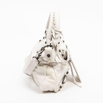 "BALENCIAGA  Sac ""Arena First""  ""Arena First"" bag    Cuir blanc  White leather  Garnitures..."