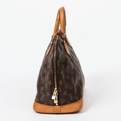 "LOUIS VUITTON  1993  Sac ""Alma"" PM  ""Alma"" PM bag    Toile Monogram, cuir naturel..."