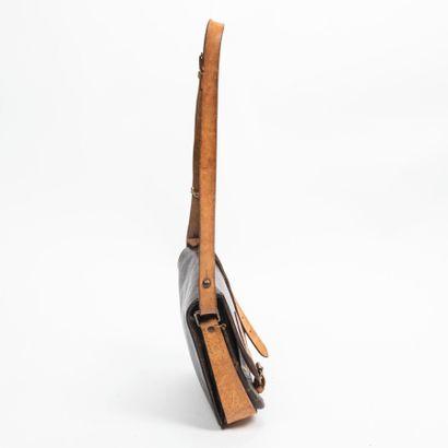 """LOUIS VUITTON  1989  Sac """"Cartouchière"""" PM  """"Cartouchière"""" PM bag    Toile Monogram,..."""