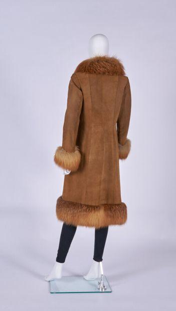 ANONYME - 1970s  MANTEAU en pécari et renard roux (env. TS)  (petite salissure)