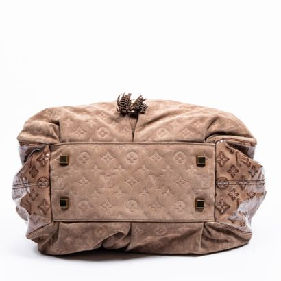 """LOUIS VUITTON  2009  Edition limitée  Limited edition  Cabas """"Irene""""  """"Irene"""" tote..."""