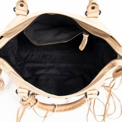 """BALENCIAGA  Sac """"City""""  """"City"""" bag    Cuir cappuccino  Cappuccino leather  Garnitures..."""