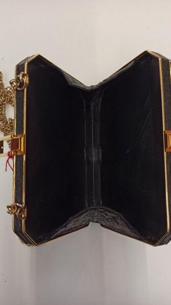 ANONYME  MINAUDIÈRE en autruche noir et métal doré  18 x 13 cm