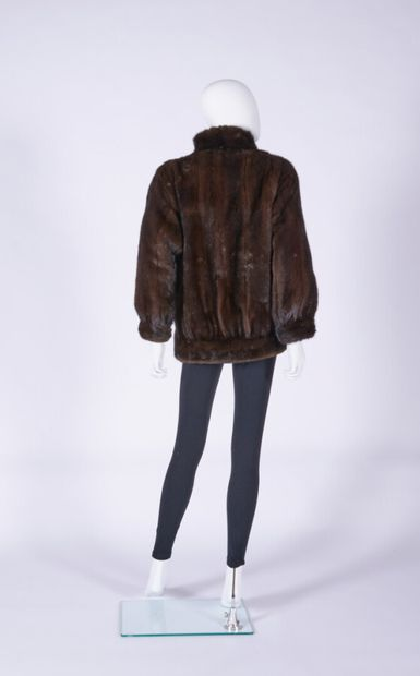 ANONYMOUS  Jacket in mink, ball buttons (approx. TS)