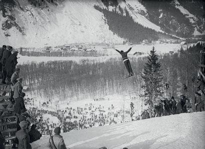 Chamonix 1924. Einar Landvik, saut à skis...