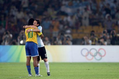 Pékin 2008. Messi- Ronaldinho, football ©...