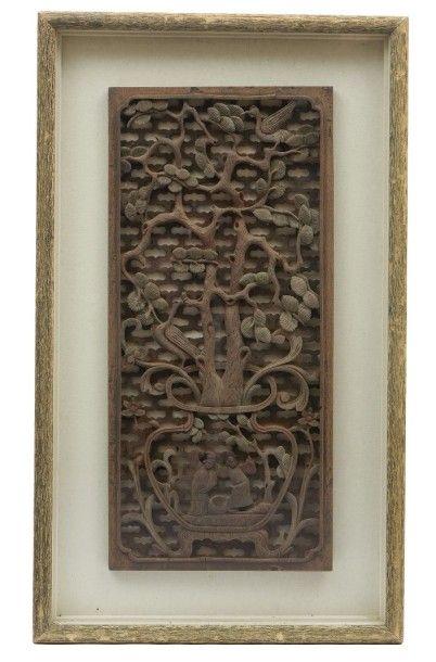 Panneau de fenêtre chinoise sculpté et encadré...