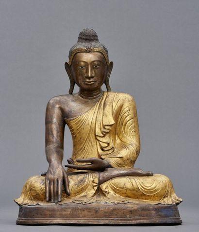 Figurine en bronze birmane de style Mandalay...