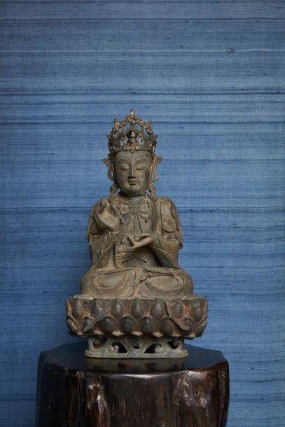 Magnifique figurine chinoise en bronze représentant...