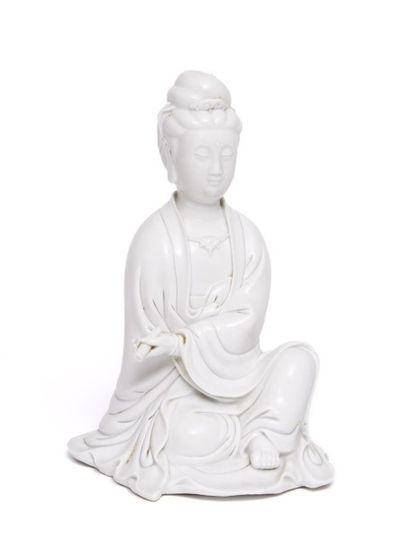 Figurine en porcelaine blanc de chine de...