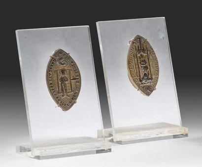 Paire de sceaux en bronze Représentant une...