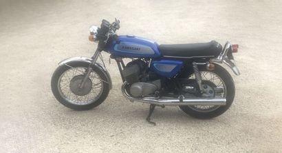 KAWASAKI 500 H1 1971 Présentée au tout début de l'année 1969, la 500 H1 apparaît...