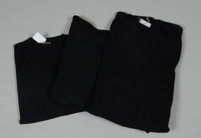 HERMES Paris Made in Italy, Anonyme Lot composé d'un pull en jersey de laine noir,...
