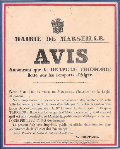 Affiche de la mairie de Marseille annonçant que le drapeau tricolore flotte sur...