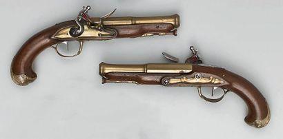 Paire de pistolets à silex d'officier de...