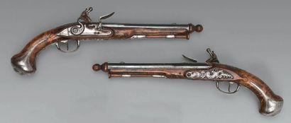Belle paire de pistolets à silex, canons...