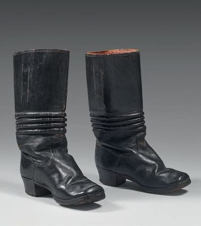 Jolie petite paire de bottes de cavalerie...