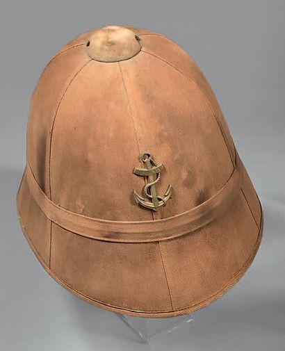 Casque colonial d'infanterie de marine recouvert...