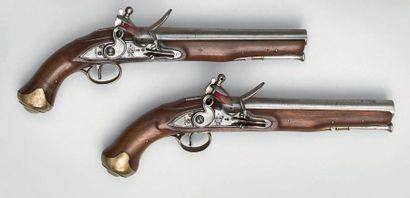 Deux pistolets à silex de cavalerie anglais...
