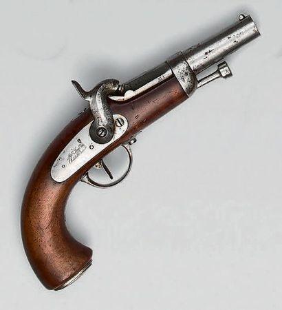 Pistolet à percussion d'officier de gendarmerie...