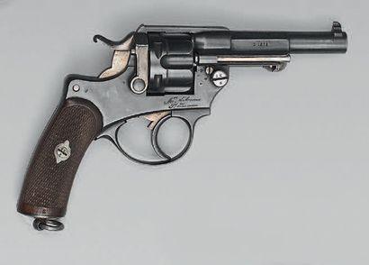 Revolver modèle 1874 d'officier, simple et...