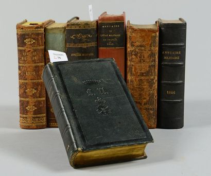 Sept annuaires militaires, différents états...