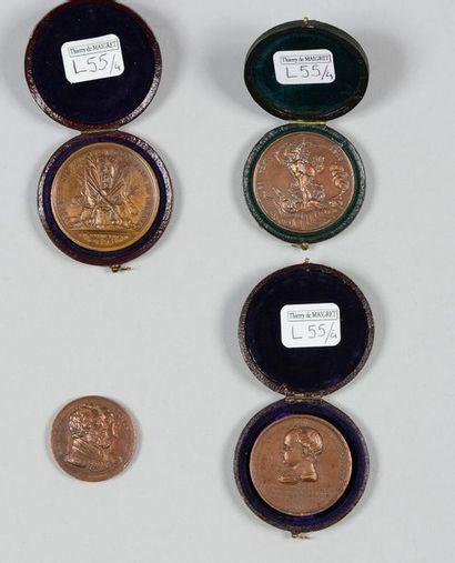 Quatre médailles en bronze: une pour la...