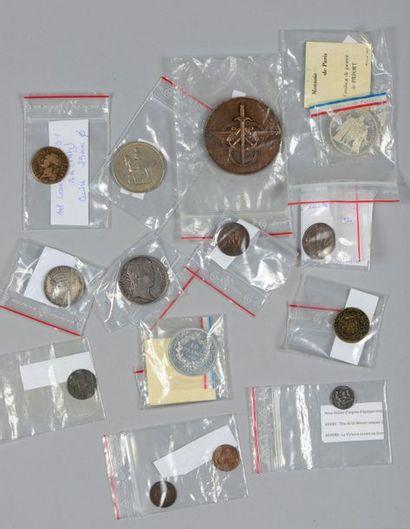 Important lot de monnaies françaises et étrangères...