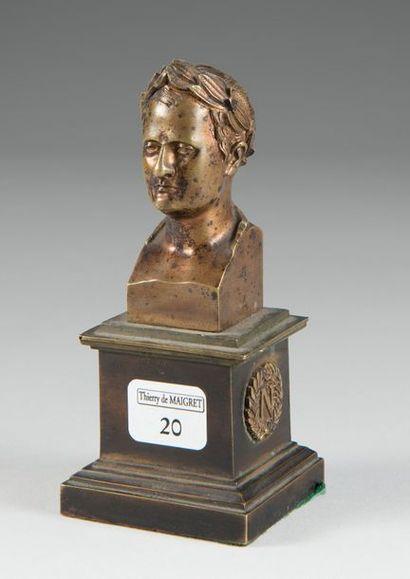 Petit buste en bronze doré, portrait de l'Empereur...