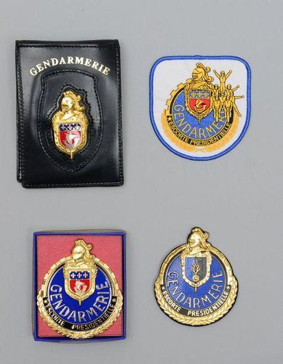 Une plaque de fonction de gendarmerie en...