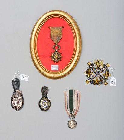 Un insigne de la gendarmerie de Polynésie...