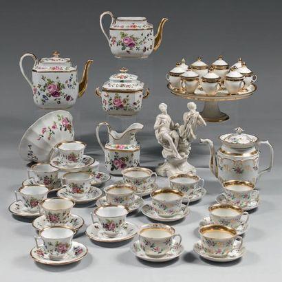 PARIS Tea set consisting of a large teapot, a jug (without its lid), a milk pot,...