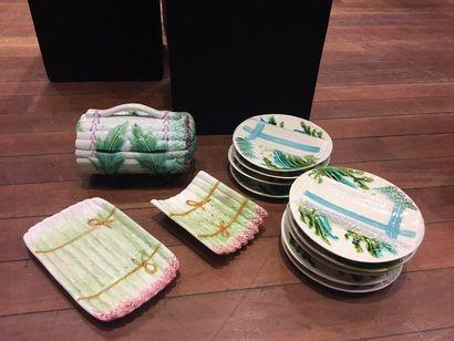 FRANCE ET DIVERS Composite asparagus-serving part in slip, with polychrome decoration...