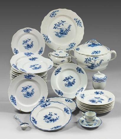 TOURNAI et ARRAS Porcelain service part with contoured rim, decorated in blue monochrome...
