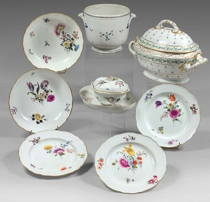 MEISSEN Porcelain set with polychrome decoration of bunches of flowers, gold filet...