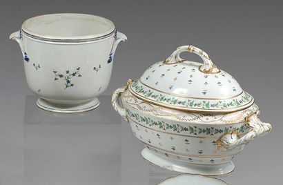 PARIS (Fabrique de Dihl) Porcelain terrine and its lid, oval in shape with handles,...