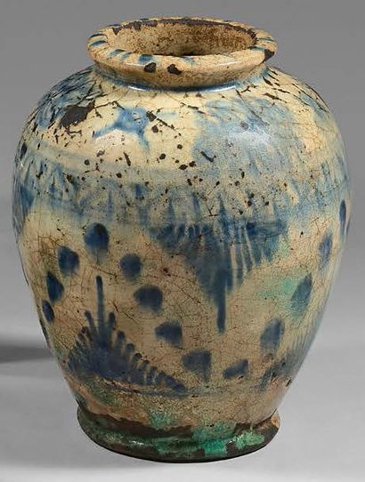 Ceramic vase with blue painted decoration, Iran qâjâr, 19th century. Decorated with...
